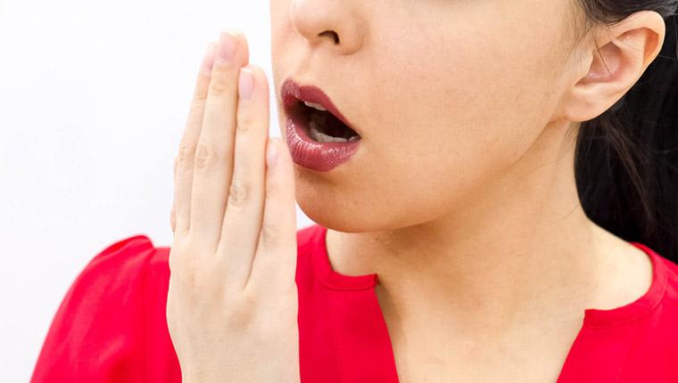 更年期に口臭がきつくなる原因とは?口臭を改善するには何がオススメ?
