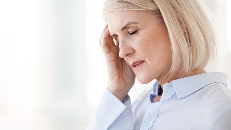 更年期で引き起こされる頭痛やめまい